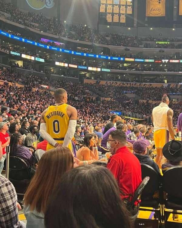 Staples Center, sección: 117, fila: C, asiento: 1