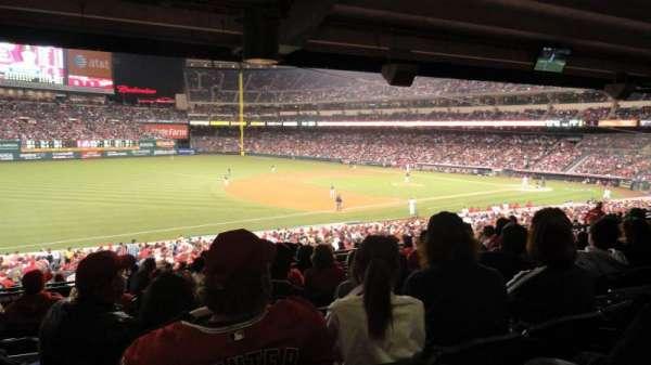 Angel Stadium, sección: T207, fila: K, asiento: 10
