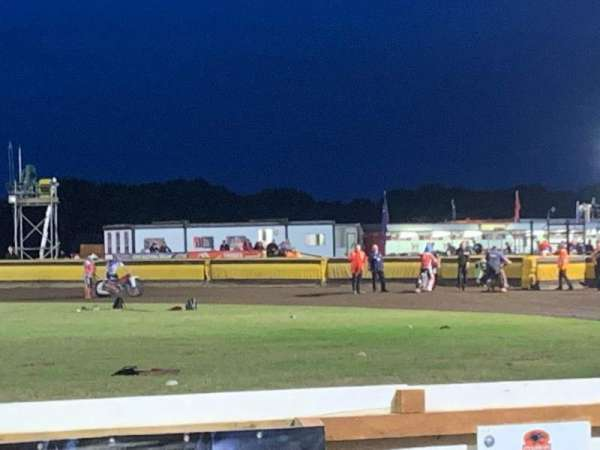 Peterborough Panthers Speedway, sección: Main Straight Covered Stand, fila: 2, asiento: Open