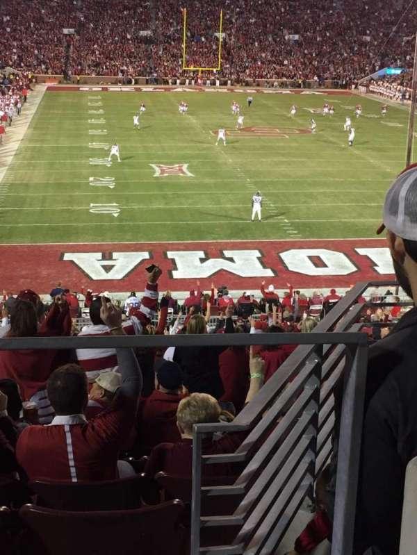 Gaylord Memorial Stadium, sección: 46, fila: W, asiento: 14