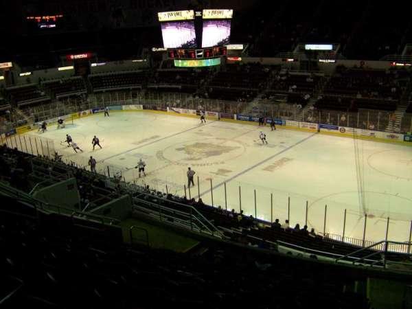 Carver Arena, sección: 10, fila: 17, asiento: 2