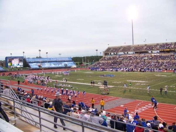 UB Stadium, sección: 202, fila: C, asiento: 1