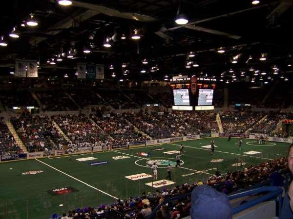 Blue Cross Arena, sección: 203, fila: E, asiento: 8