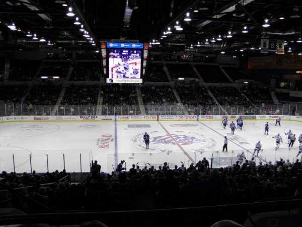 Blue Cross Arena, sección: 223, fila: E, asiento: 9