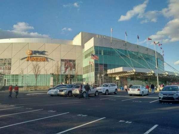 PNC Arena, sección: exterior