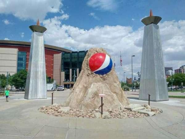 Pepsi Center, sección: exterior