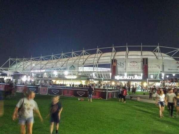 Rio Tinto Stadium, sección: exterior