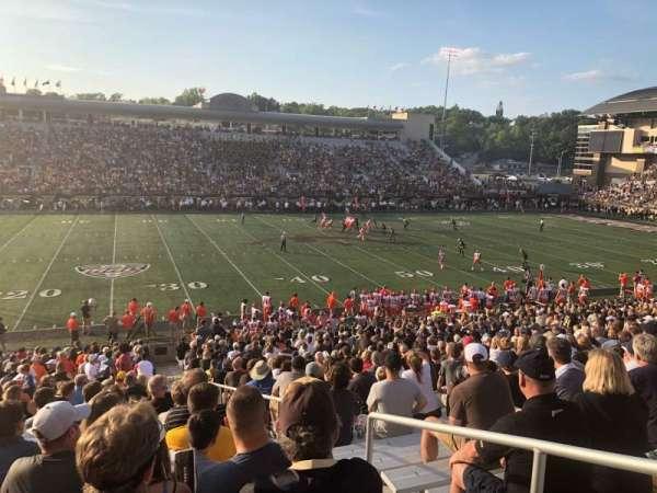 Waldo Stadium, sección: F, fila: 22, asiento: 27