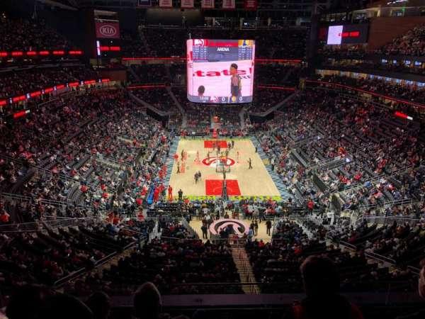 State Farm Arena, sección: 215, fila: D, asiento: 19