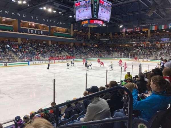 Compton Family Ice Arena, sección: 17, fila: 7, asiento: 4