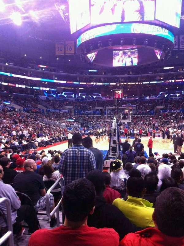 Staples Center, sección: 106, fila: 2, asiento: 14