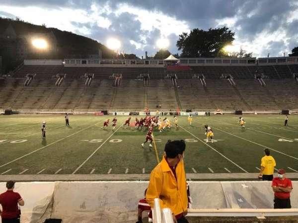 Percival Molson Memorial Stadium, sección: V1, fila: 1, asiento: 21
