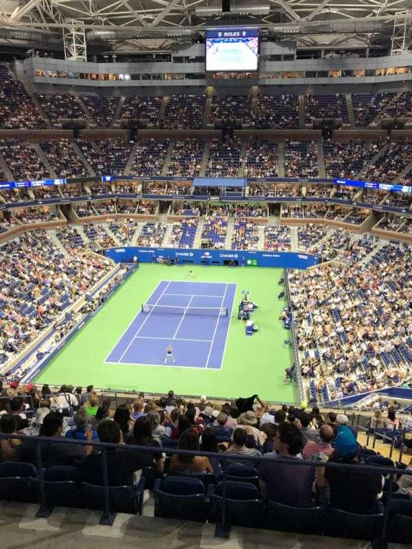 Arthur Ashe Stadium, sección: 322, fila: A, asiento: 9