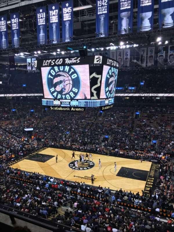Scotiabank Arena, sección: 320, fila: 3, asiento: 4
