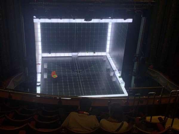 Piccadilly Theatre, sección: Grand Circle, fila: H, asiento: 19