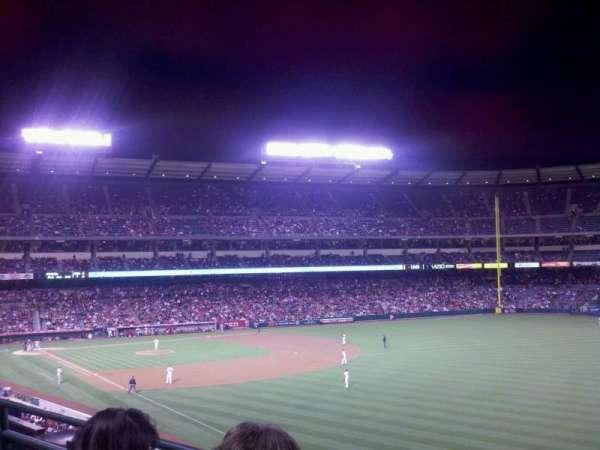 Angel Stadium, sección: C346, fila: b, asiento: 11