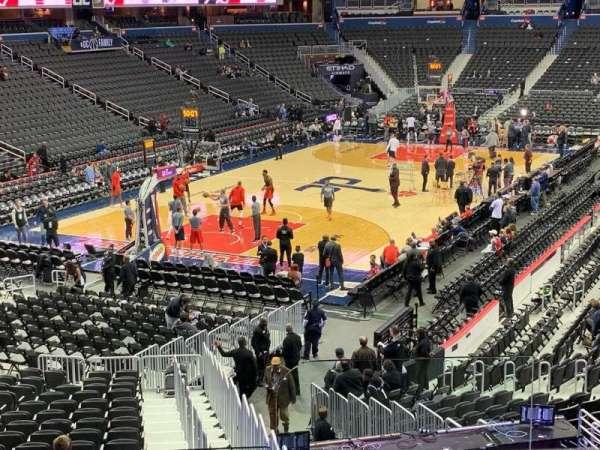 Capital One Arena, sección: 118, fila: V, asiento: 19