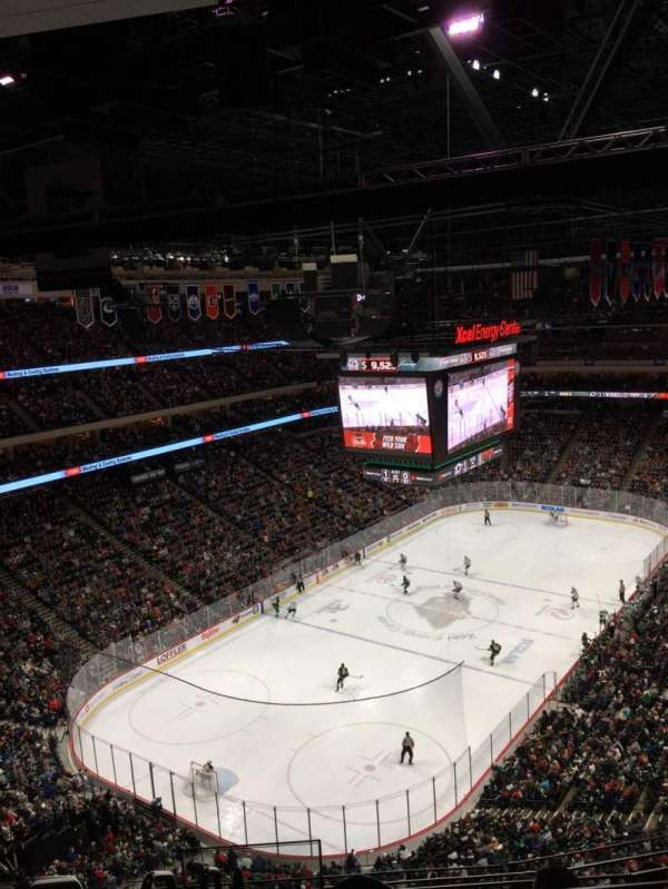 Xcel Energy Center, sección: 223, fila: 6, asiento: 9