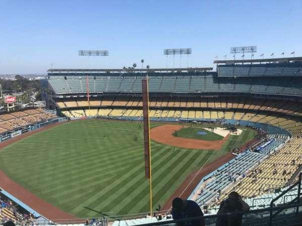 Dodger Stadium, sección: 57RS, fila: EE, asiento: 10