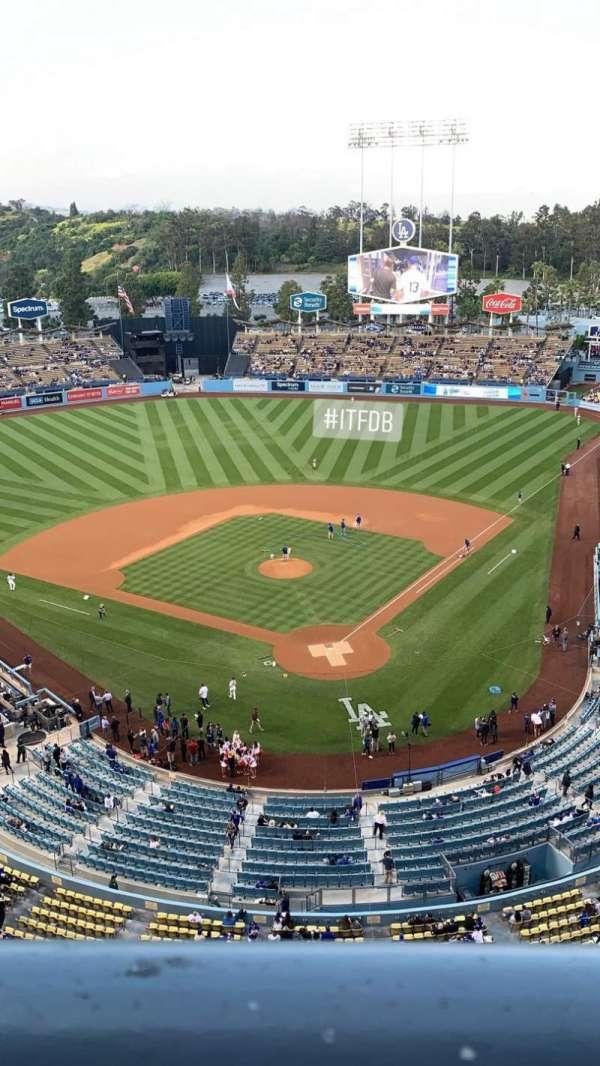 Dodger Stadium, sección: 5TD, fila: A, asiento: 1
