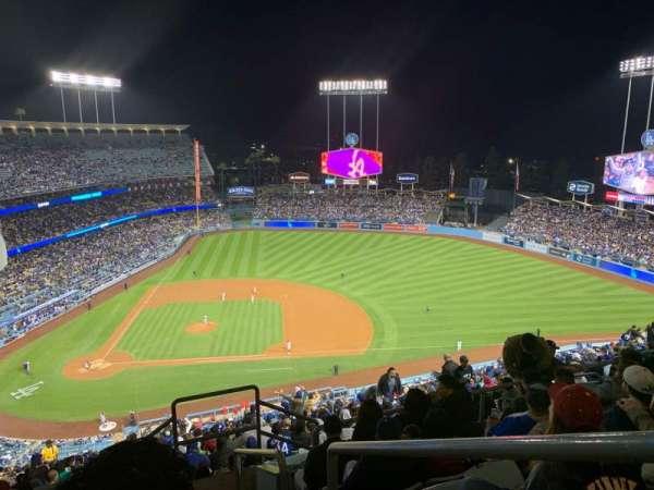 Dodger Stadium, sección: 12RS, fila: GG, asiento: 1