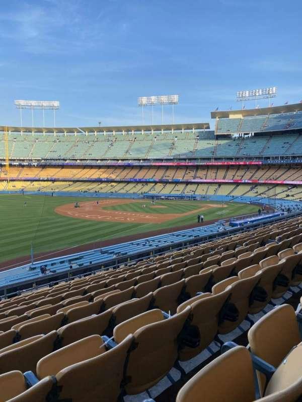 Dodger Stadium, sección: 157LG, fila: L, asiento: 14