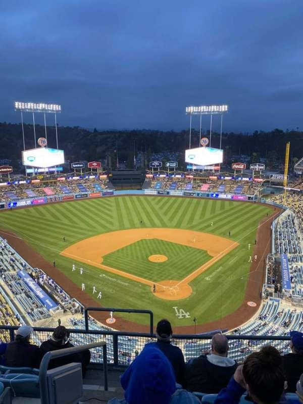 Dodger Stadium, sección: 3TD, fila: F, asiento: 18