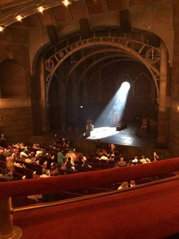 Lyric Theatre, sección: Dress Circle R, fila: A, asiento: 6
