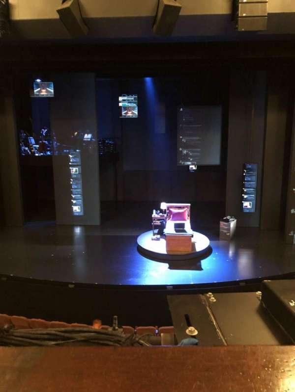 Music Box Theatre, sección: Mezzanine C, fila: A, asiento: 106