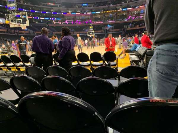 Staples Center, sección: 105, fila: D, asiento: 3