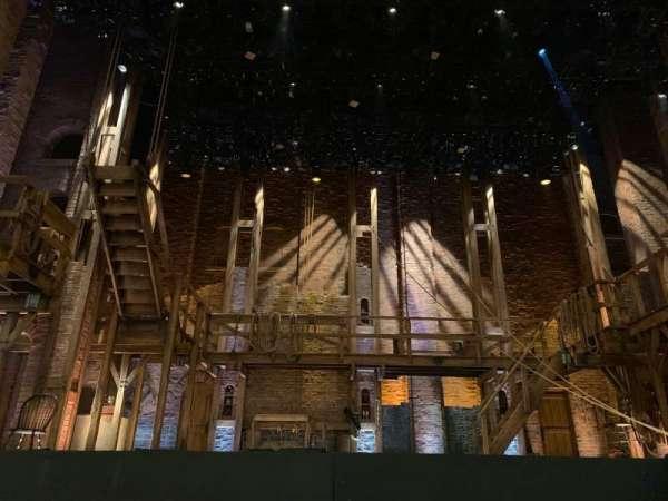 CIBC Theatre, sección: Orchestra C, fila: D, asiento: 104