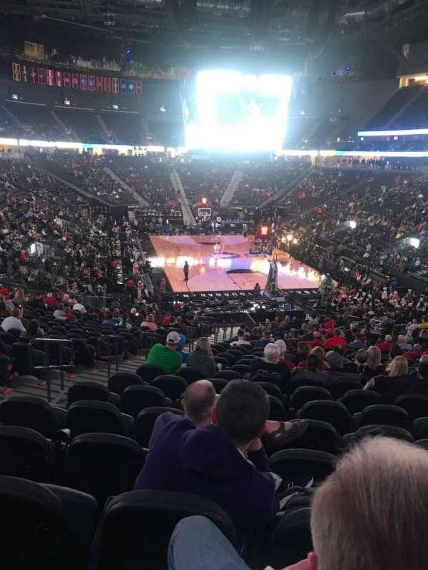 T-Mobile Arena, sección: 10, fila: Z, asiento: 5