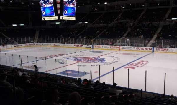 Blue Cross Arena, sección: 128