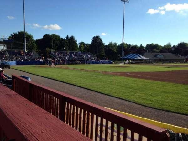 Dwyer Stadium, sección: Patio, fila: 1, asiento: 1