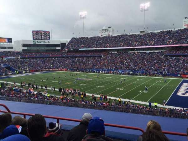 New Era Field, sección: 207, fila: 4, asiento: 21