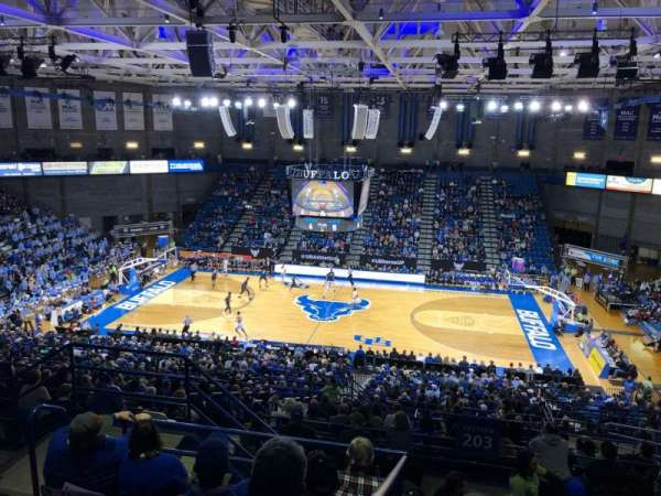 Alumni Arena (University at Buffalo), sección: 305, fila: F, asiento: 9