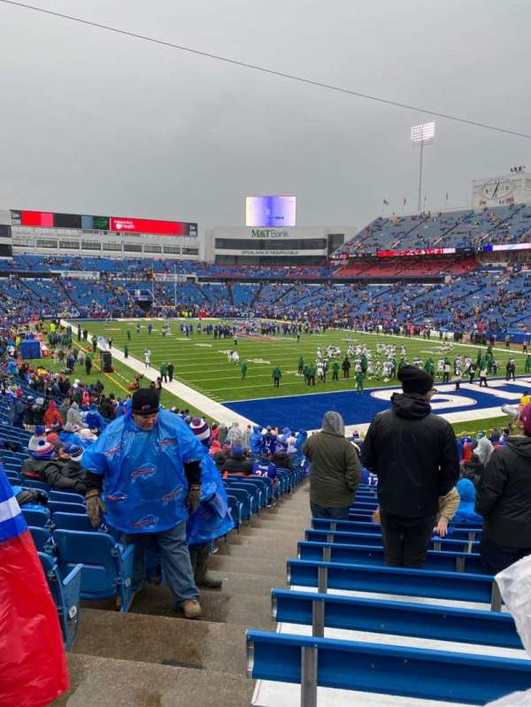 Highmark Stadium, sección: 104, fila: 30, asiento: 18