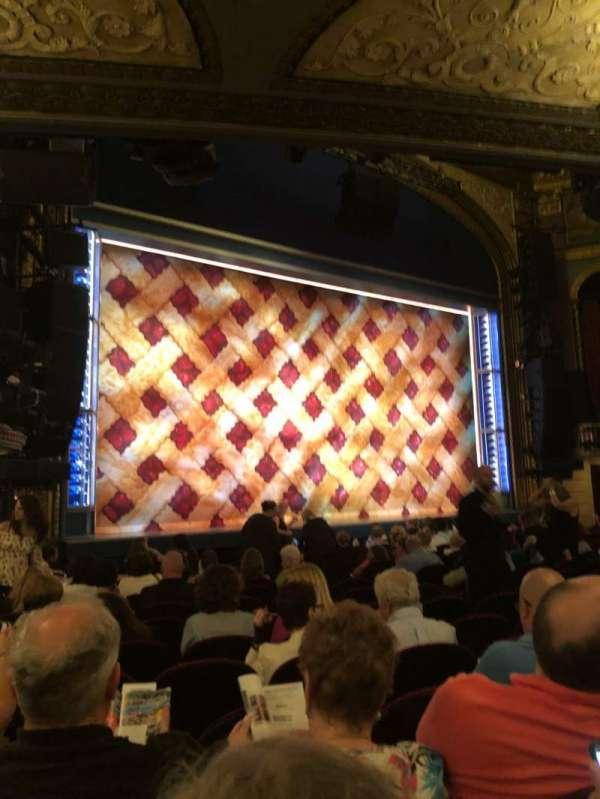Brooks Atkinson Theatre, sección: orch L, fila: N, asiento: 19