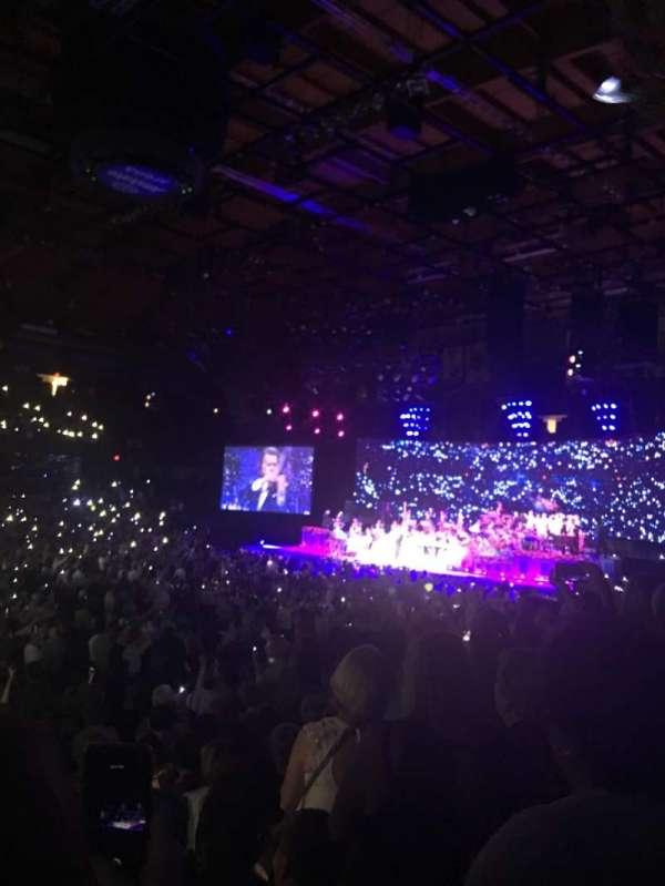 Allstate Arena, sección: 111, fila: L, asiento: 25,26