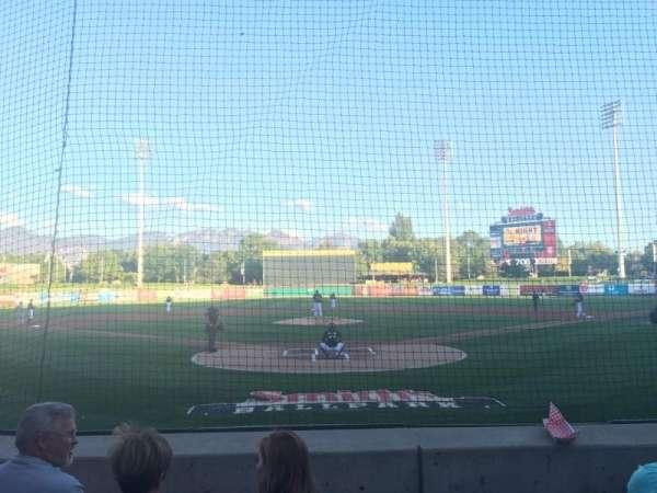 Smith's Ballpark, sección: 13, fila: M, asiento: 8