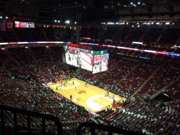 Toyota Center, sección: 422, fila: 9, asiento: 2