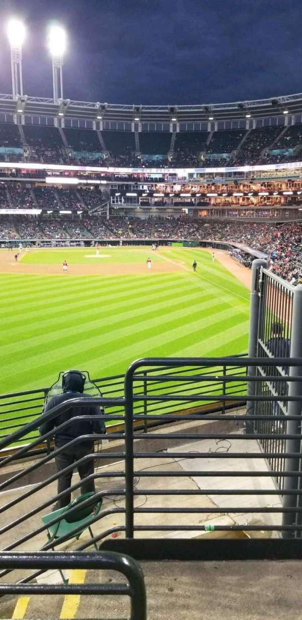 Progressive Field, sección: 180, fila: f, asiento: 17