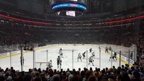 Staples Center, sección: 115, fila: 13, asiento: 17