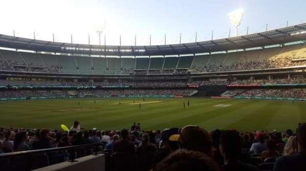 Melbourne Cricket Ground, sección: 13, fila: U, asiento: GA