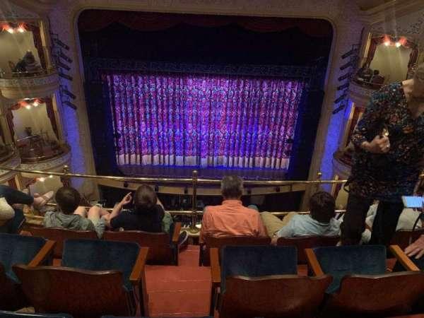 Grand 1894 Opera House, sección: Balc Center, fila: DDD, asiento: 8