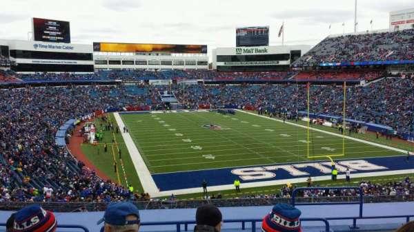New Era Field, sección: 202, fila: 8, asiento: 6