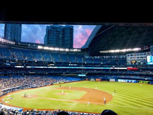 Rogers Centre, sección: 217R, fila: 11, asiento: 8