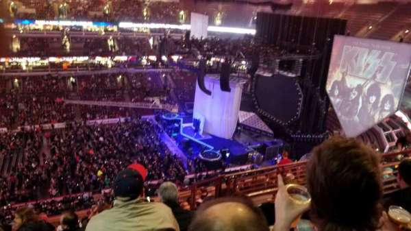 United Center, sección: 301, fila: k, asiento: 4-8