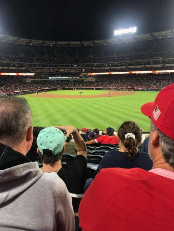 Angel Stadium, sección: P239, fila: M, asiento: 17