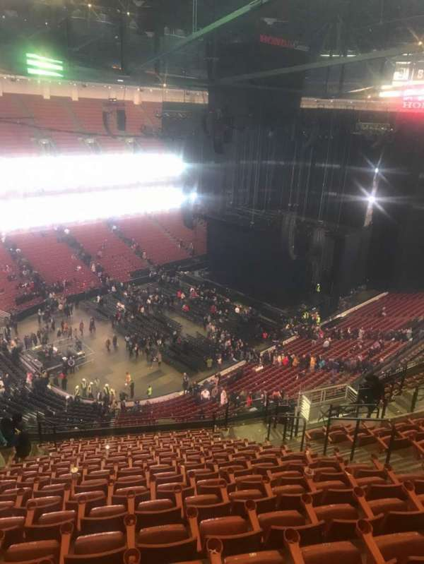 Honda Center, sección: 239, fila: S, asiento: 10